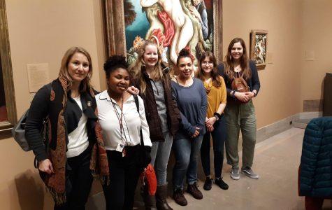 Silvia Byer, Ph.D., Leah Winn, Savannah Oesterle, Breanna Dworak, Steaphanie Betancourt and Alissa Flint visited the Nelson-Atkins Museum of Art in KC.